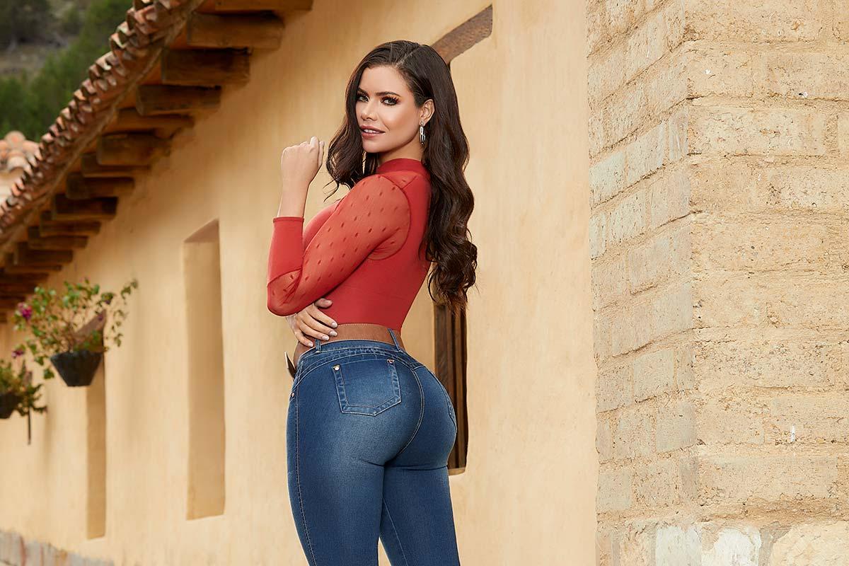 vender jeans levanta cola